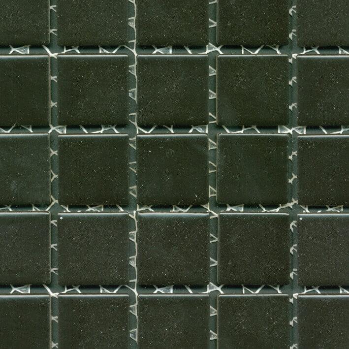 zwarte-mozaiekjes-wand-BM-089