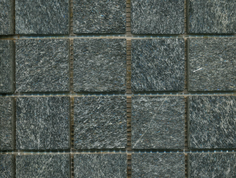 grijze-wand-mozaïek-QX-M89